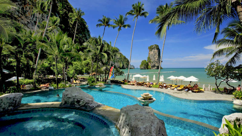 Main Pool - Centara Grand Beach Thailand