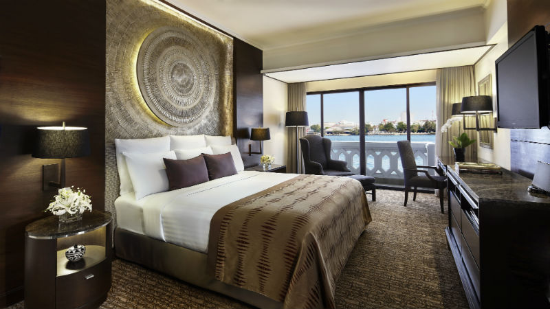 Riverfront Suite Bedroom - Anantara Riverside Bangkok