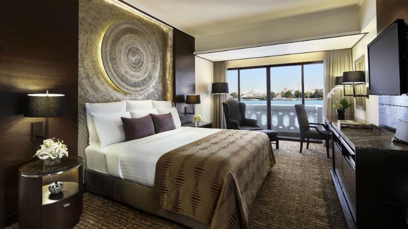 Riverfront Suite Bedroom - Anantara Riverside Bangkok