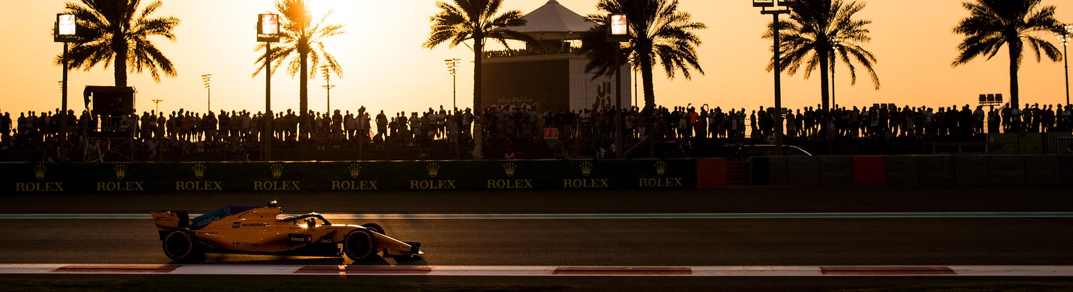 Yas Marina Sunset at the Etihad Abu Dhabi Formula 1 Grand Prix