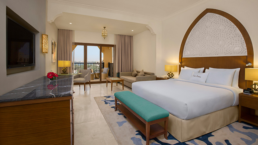 Bedroom of the Deluxe Guest Room at Doubletree by Hilton Resort Marjan Island