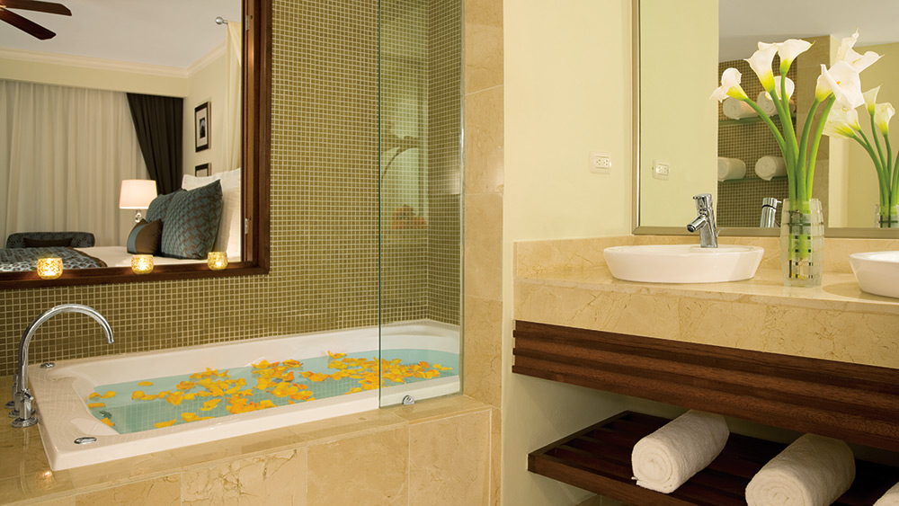 Preferred Club Deluxe with Jacuzzi at the Dreams Palm Beach Punta Cana