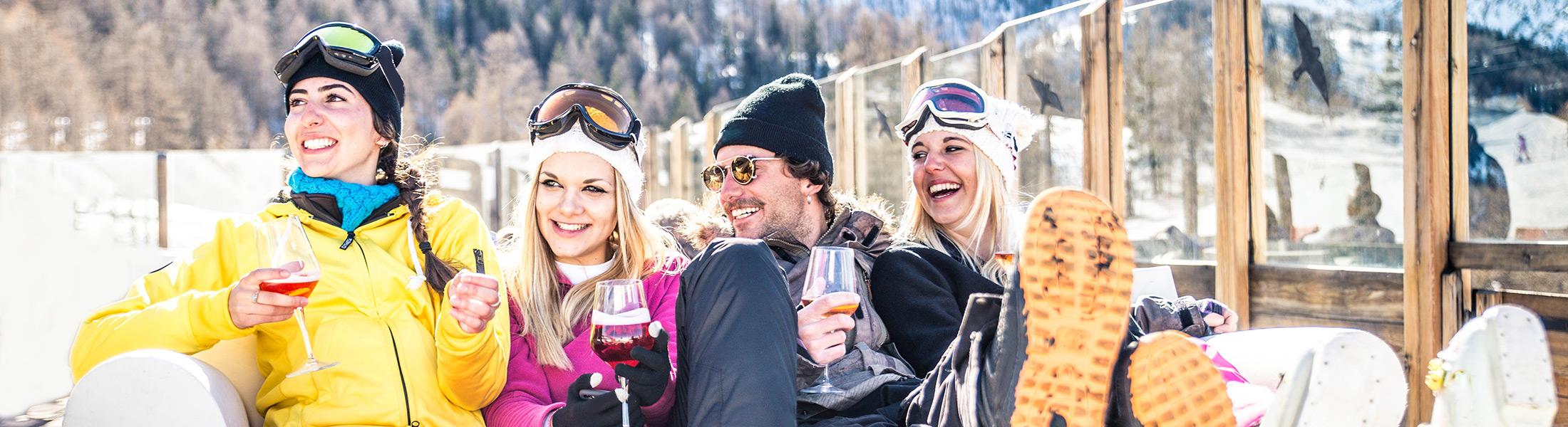 Friends at Apres Ski on a ski holiday