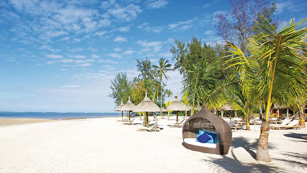 White sand beach at Heritage Le Telfair Mauritius