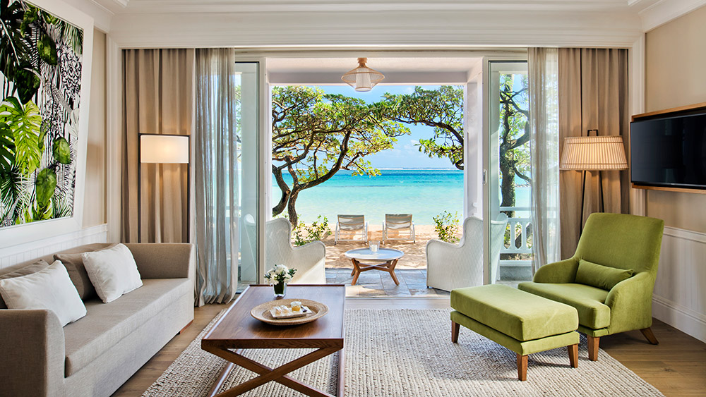 Living area of the Beachfront Suite at Heritage Le Telfair