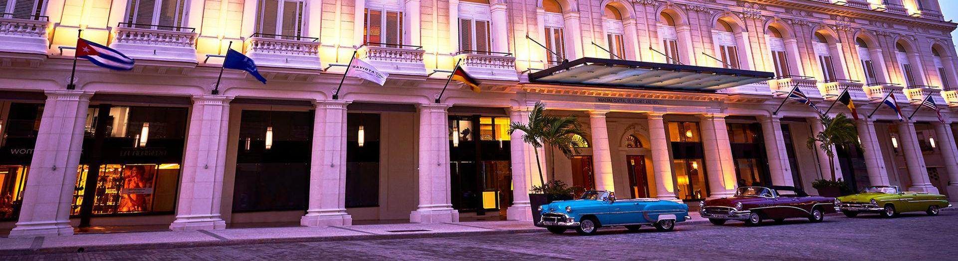 Entrance to the Gran Hotel Manzana Kempinski La Habana
