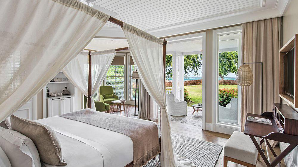 Bedroom of the Garden Golf Suite at Heritage Le Telfair