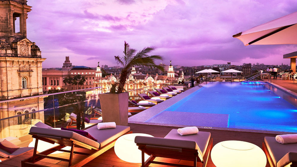 Pool Bella Habana Sunset at the Gran Hotel Manzana Kempinski La Habana
