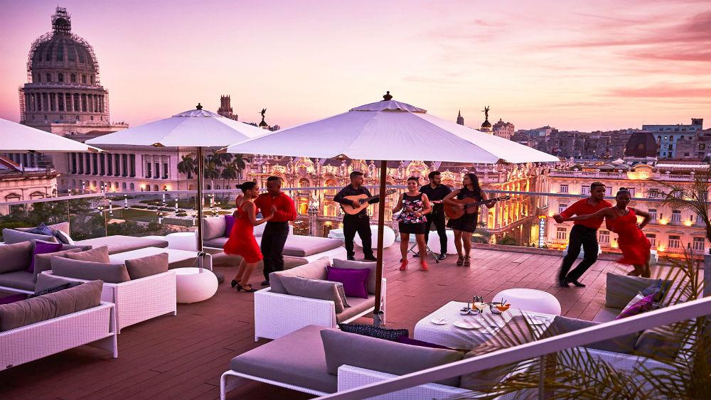 Pool Terrace Sunset Band at the Gran Hotel Manzana Kempinski La Habana