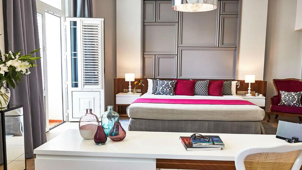 junior suite hemingway at the Gran Hotel Manzana Kempinski La Habana