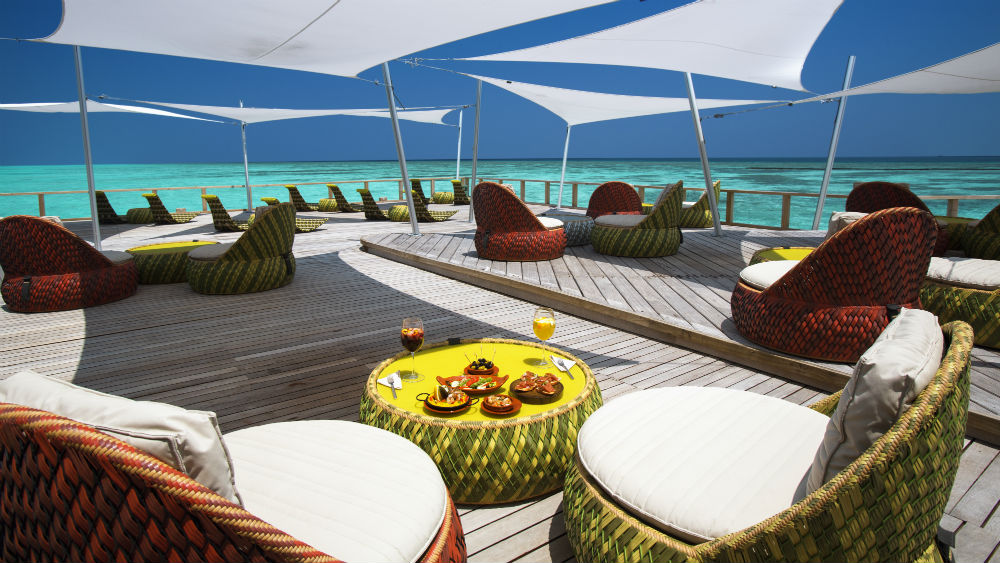 Bar and food Velassaru Maldives
