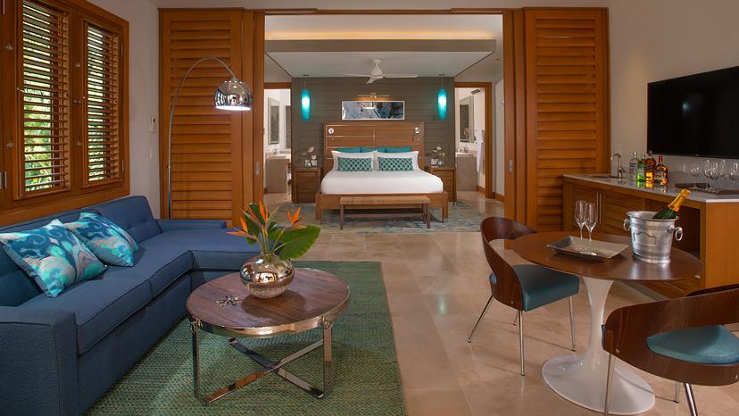 Living room of the Beachfront Romeo & Juliet One Bedroom Butler Villa Suite at Sandals Montego Bay
