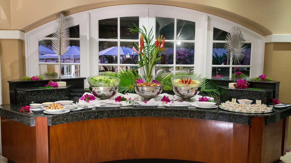 Buffet dinner at Julian Restaurant at Mango Bay