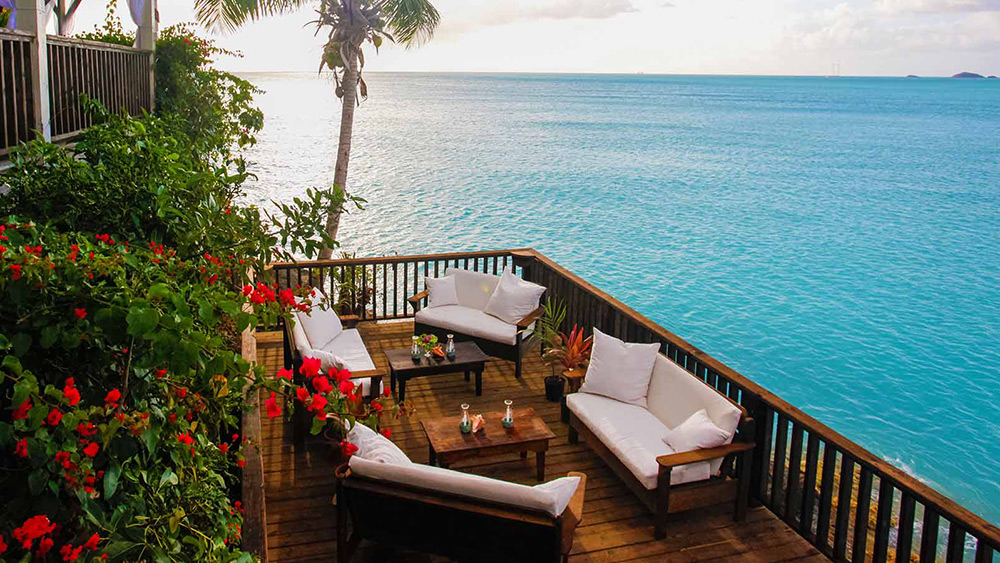 Cliff side lounge at Cocos Hotel