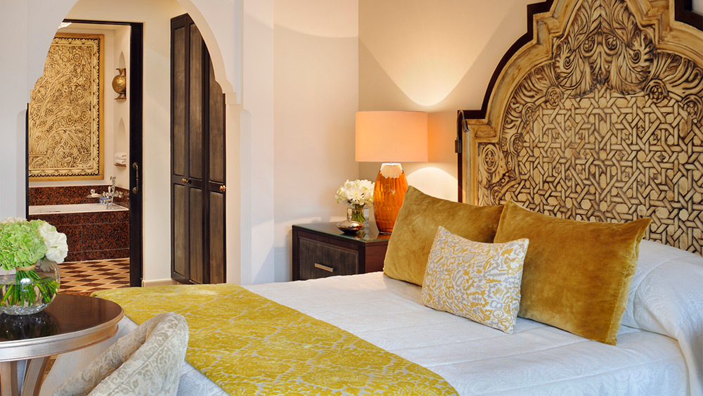 Bedroom of the Deluxe Room at Arabian Court at One&Only Royal Mirage