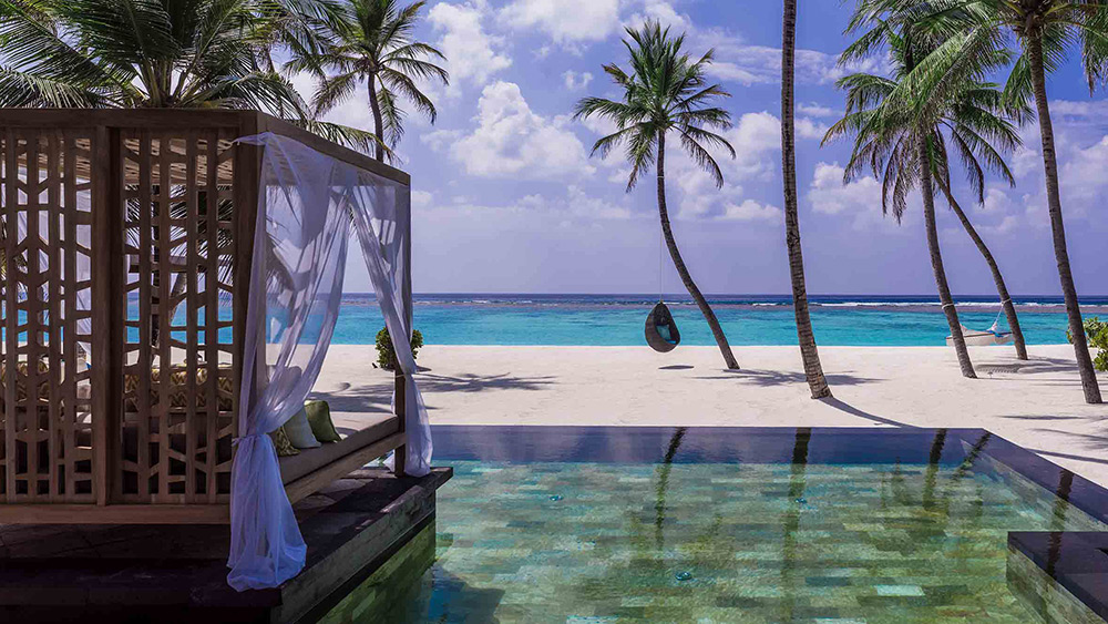 Private pool and cabana of the Grand Residence at One&Only Reethi Rah