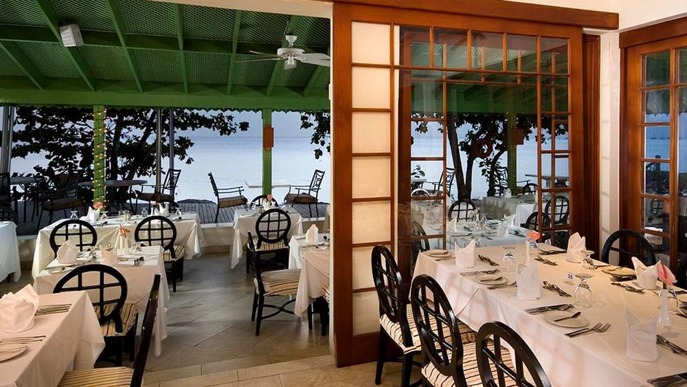 Open air dining at Julian restaurant at Mango Bay