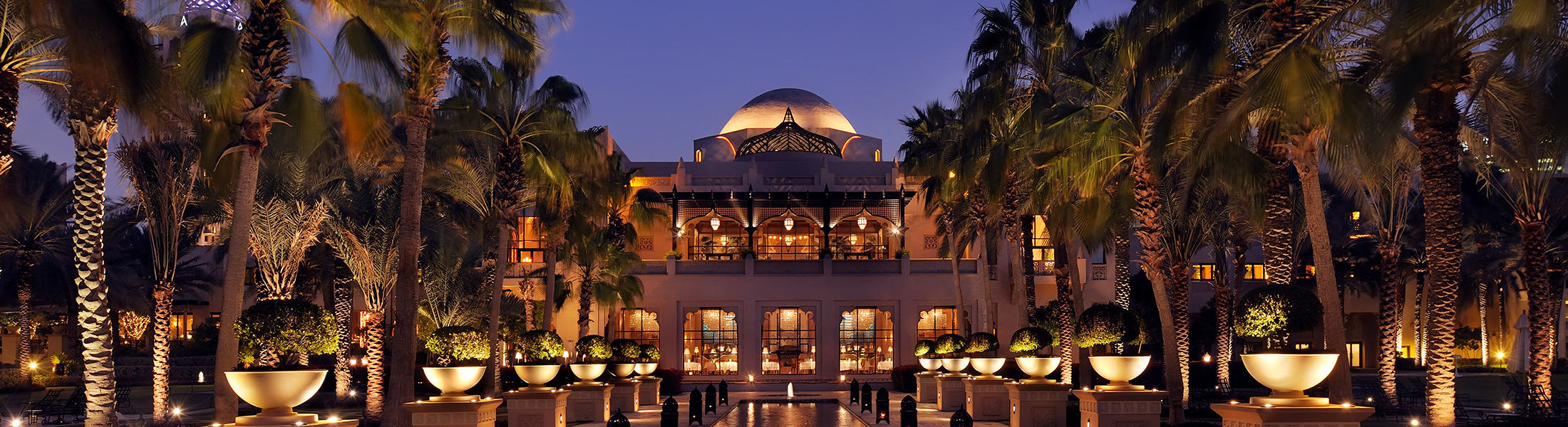 Exterior of One&Only Royal Mirage The Palace at night