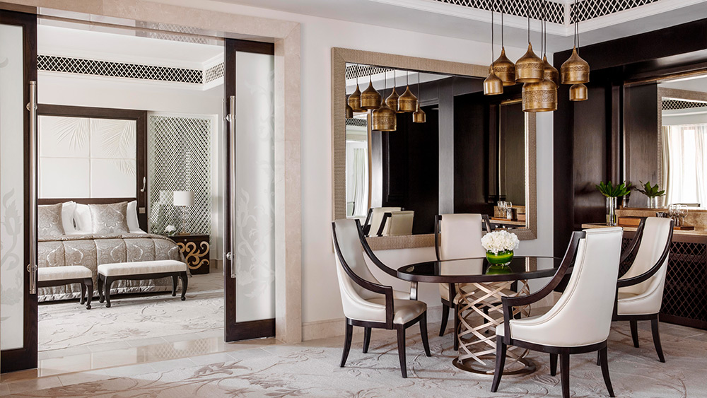 Living room of the Palm Manor Executive Suite Manor House at One&Only The Palm