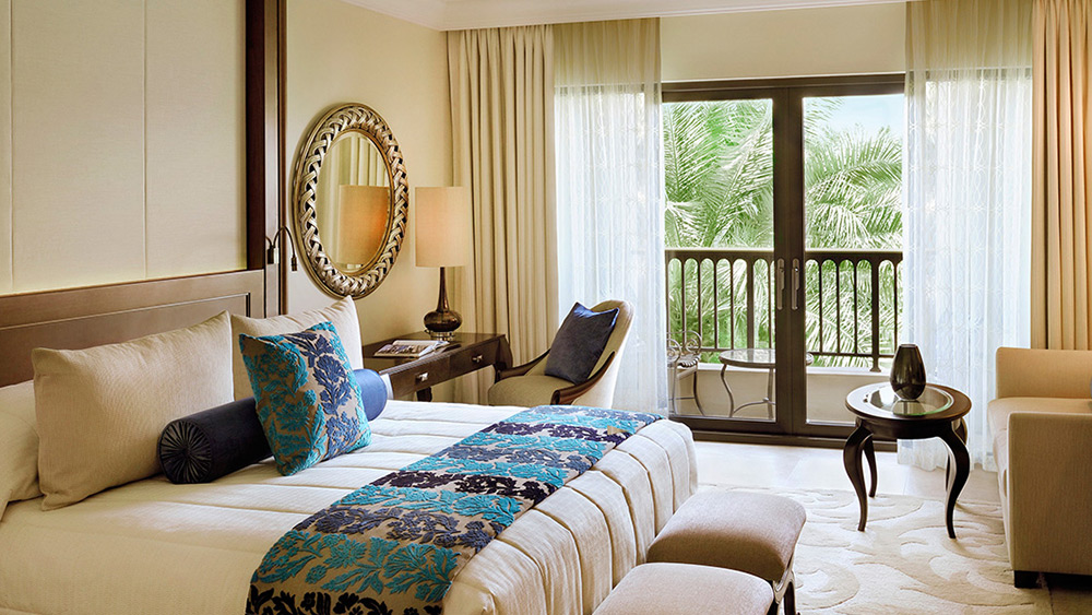Bedroom of the Superior Gold Club Room at One&Only Royal Mirage