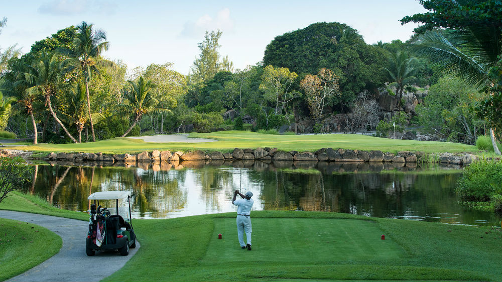 man playing on the Golf Course at the Constance Lemuria Seychelles