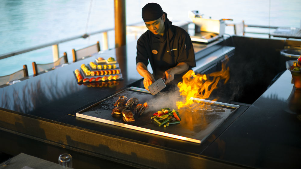 teppanyaki showcase Velassaru Maldives