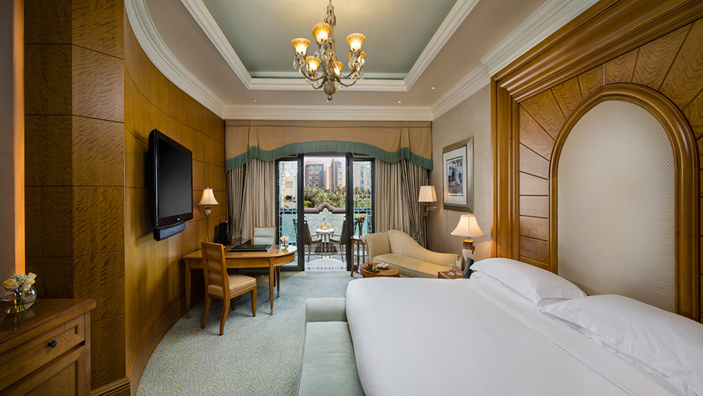Bedroom of the Coral Room at Emirates Palace