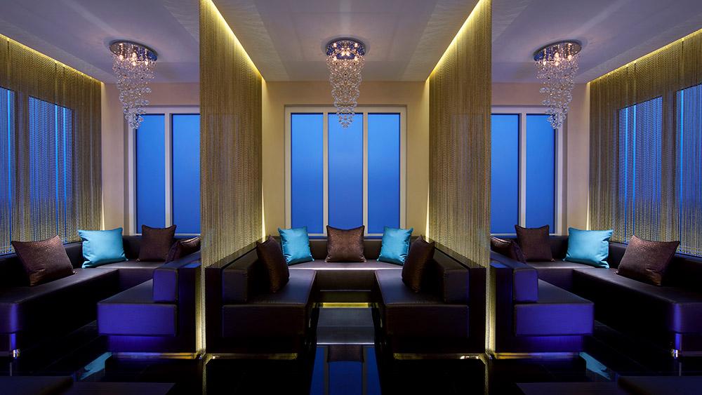 Evening bar at Anantara Eastern Mangroves Hotel & Spa