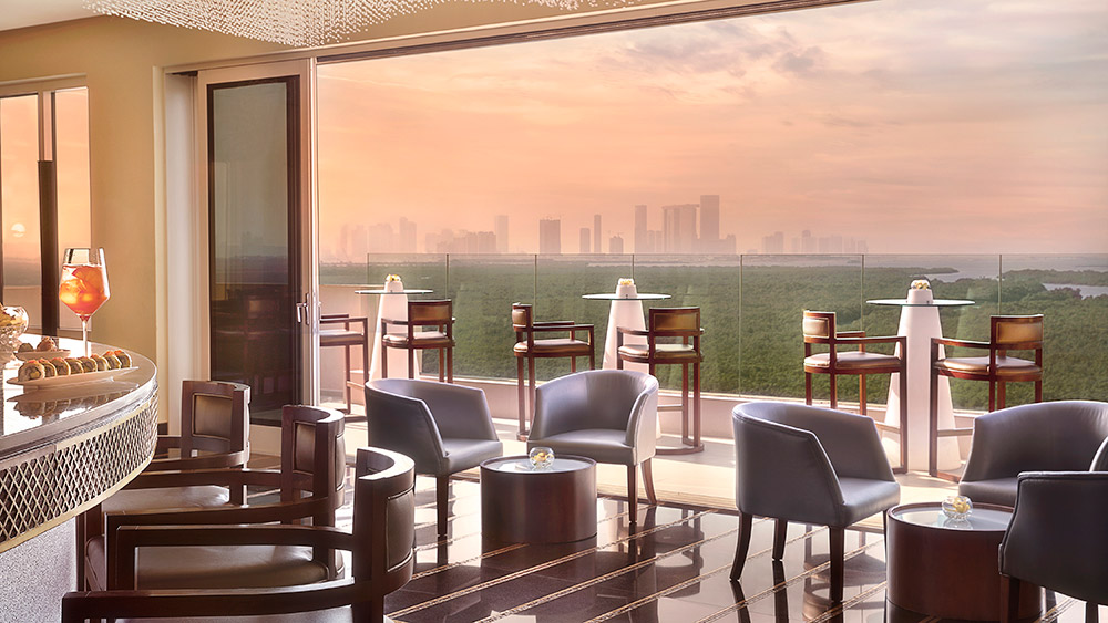 Impressions bar at sunset at Anantara Eastern Mangroves Hotel & Spa