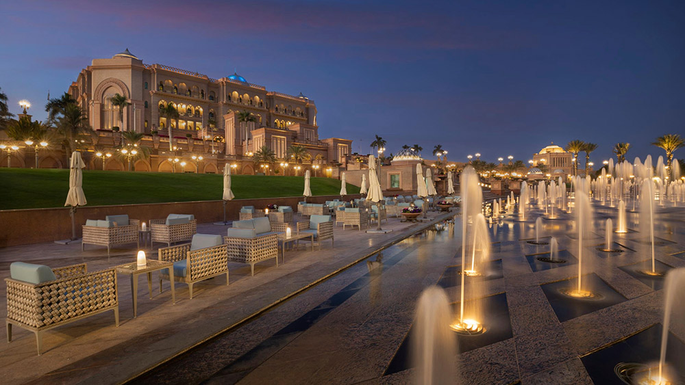 Outdoor cafe at night at Emirates Palace