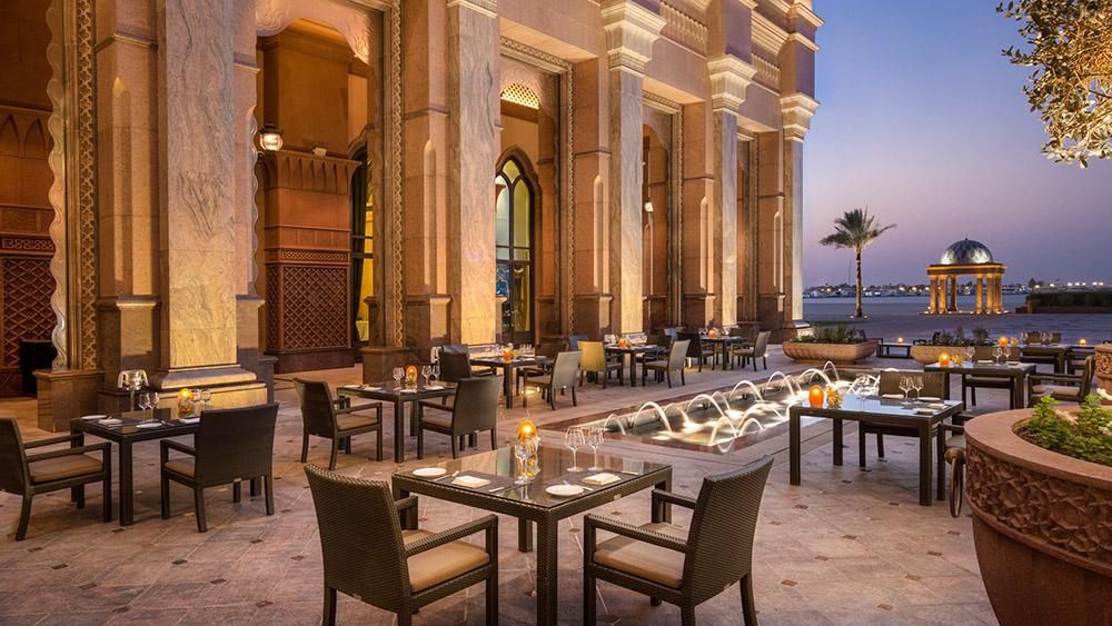 Outdoor dining at Mezzaluna Restaurant at Emirates Palace