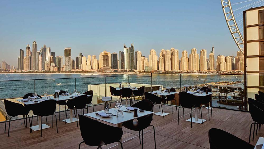 Outdoor dining at Paru Restaurant at Caesars Resort Bluewaters