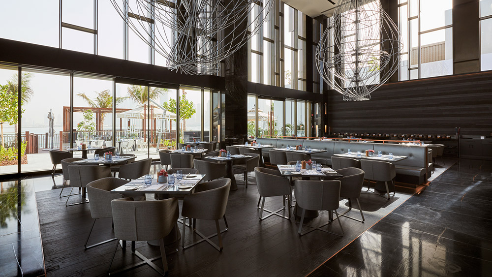 Indoor dining at Caesars Resort Bluewaters