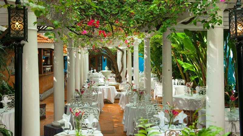 Restaurant - Sandals Royal Caribbean
