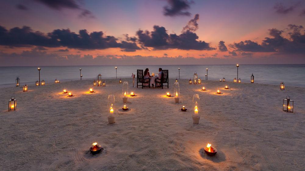 Sandbank Dining at the Baros Maldives