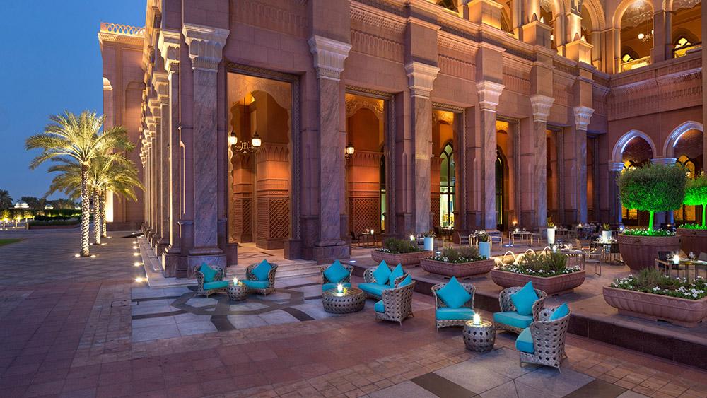 Outdoor dining at Sayad Restaurant at Emirates Palace