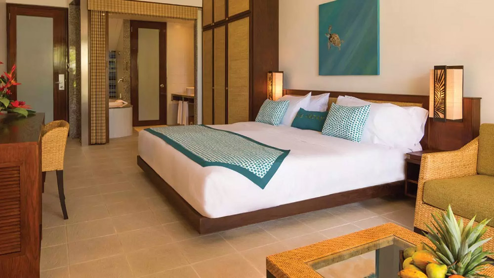 Bedroom of a Standard Room at AVANI Barbarons Seychelles
