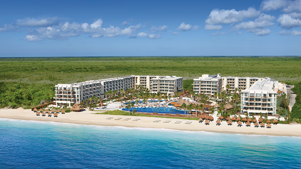 Aerial view of the exterior of Dreams Riviera Cancun