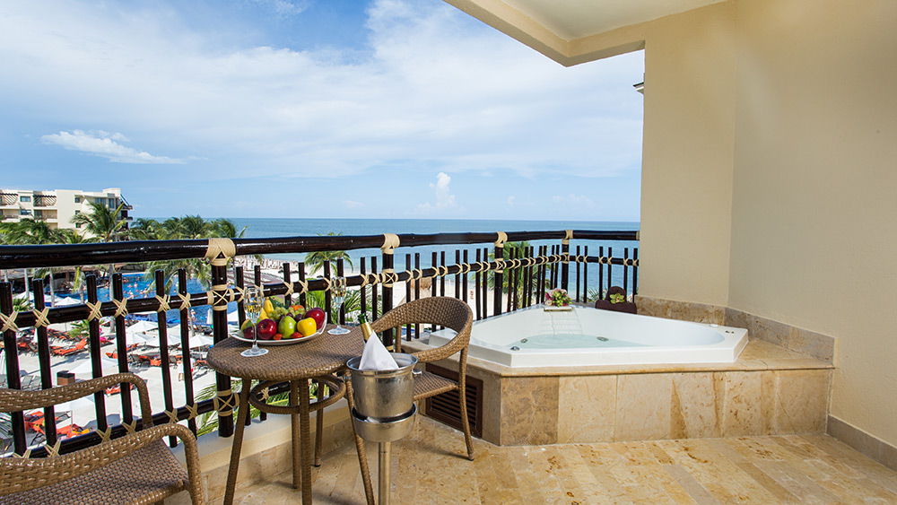 Balcony with a Jacuzzi at Dreams Riviera Cancun