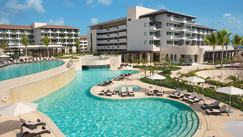 Grotto pool at Dreams Playa Mujeres