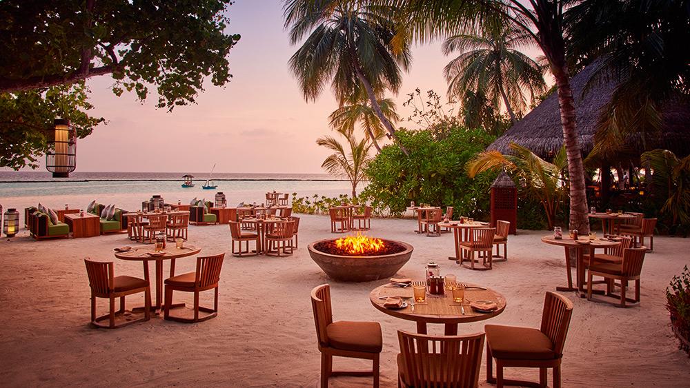 Beachside dining at Meeru restaurant at Constance Halaveli