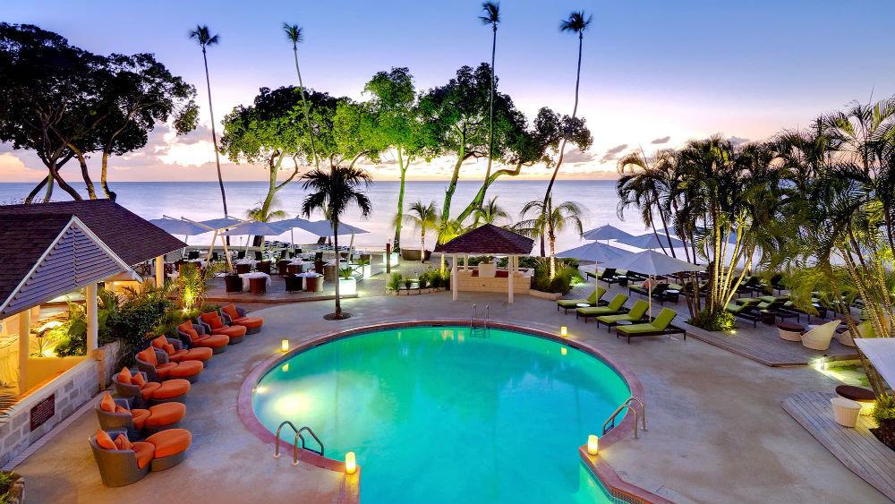 Pool & Ocean at the Tamarind by Elegant Hotels