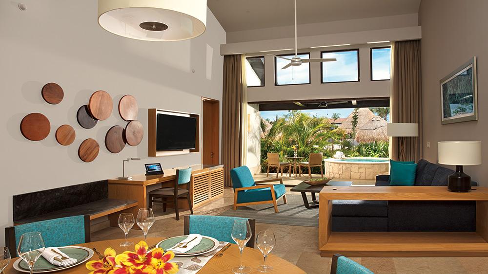 Living room of the Preferred Club Two Bedroom Villa at Dreams Playa Mujeres