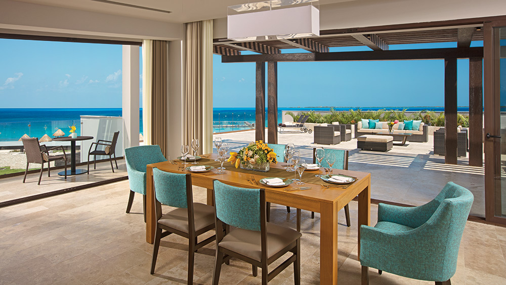 Dining area of the Preferred Club Paramount Suite Ocean View at Dreams Playa Mujeres