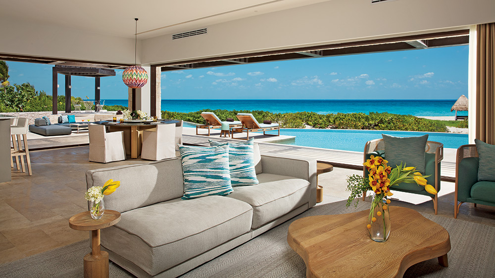 Living room of the Preferred Club Family Presidential Suite Ocean View at Dreams Playa Mujeres