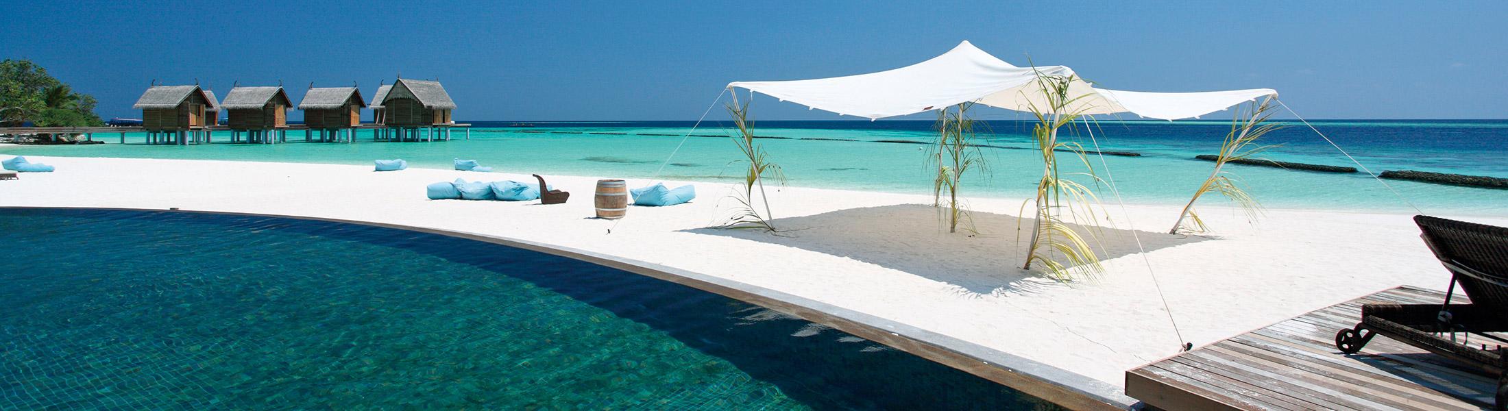 beach and sea view at the Constance moofushi maldives