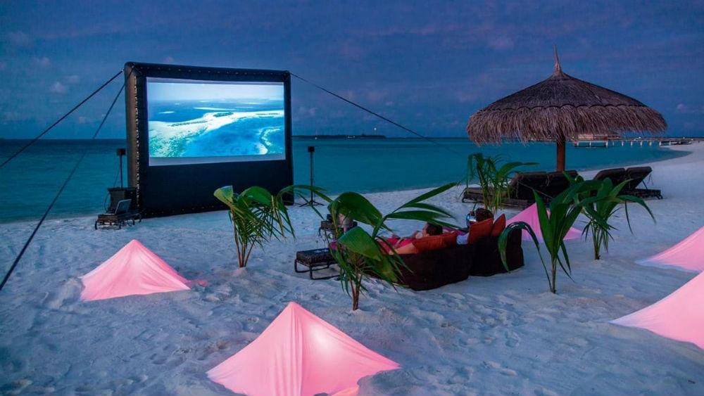 beach cinema at the Constance Moofushi Maldives