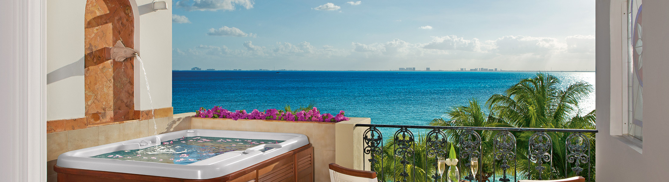 Jucuzzi on a balcony at Zoetry Villa Rolandi Isla Mujeres