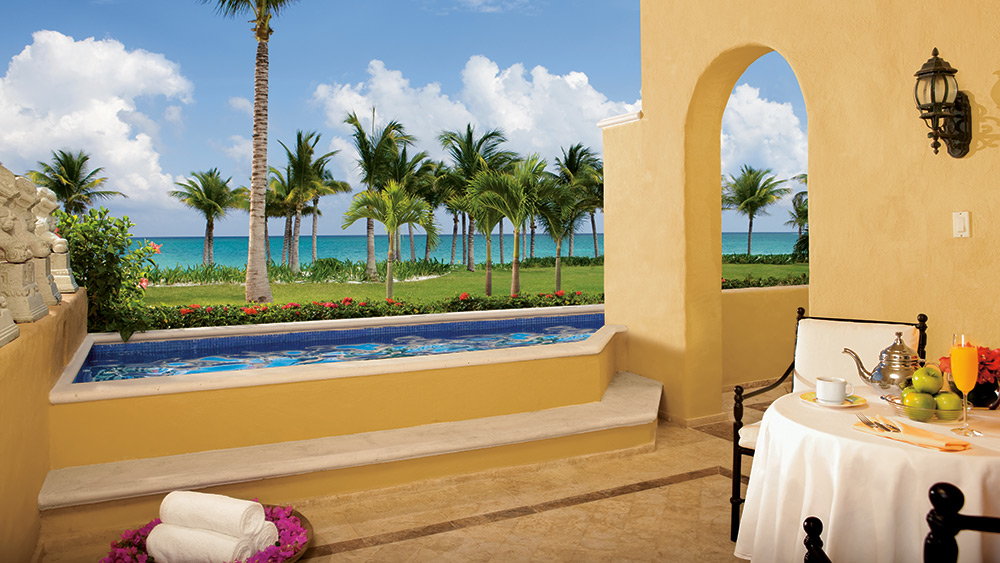 Private pool of the Butler Ocean Front Master Suite Two Bedroom at Zoetry Paraiso de la Bonita