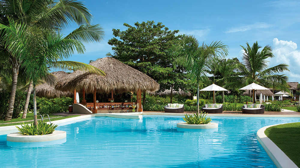 Swim up bar at Zoetry Agua Punta Cana